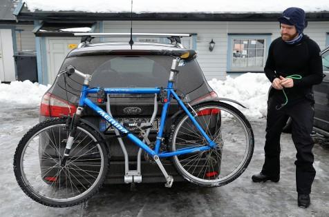 Sykkelen og følgebilen har gjort jobben sin