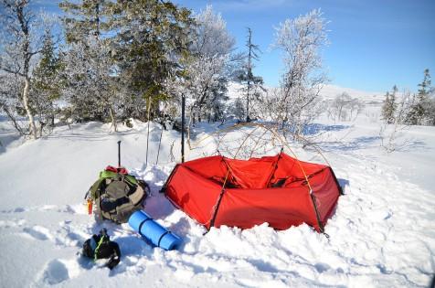 Delvis nedslått telt