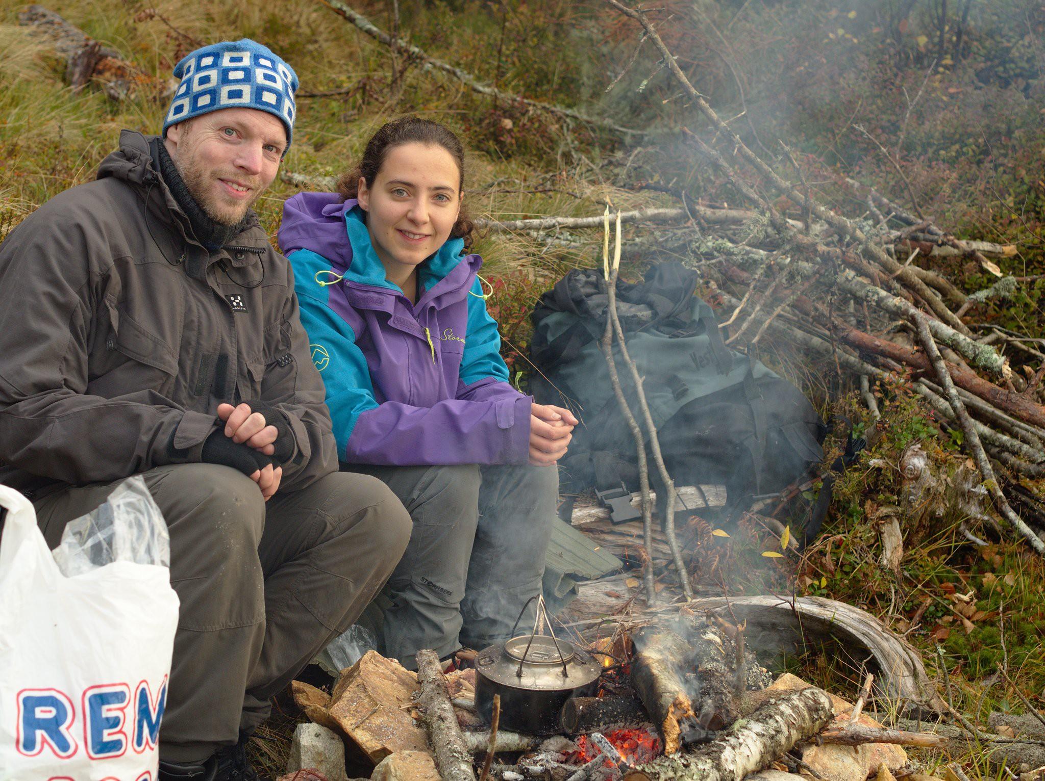 Lang frokost ved bålet