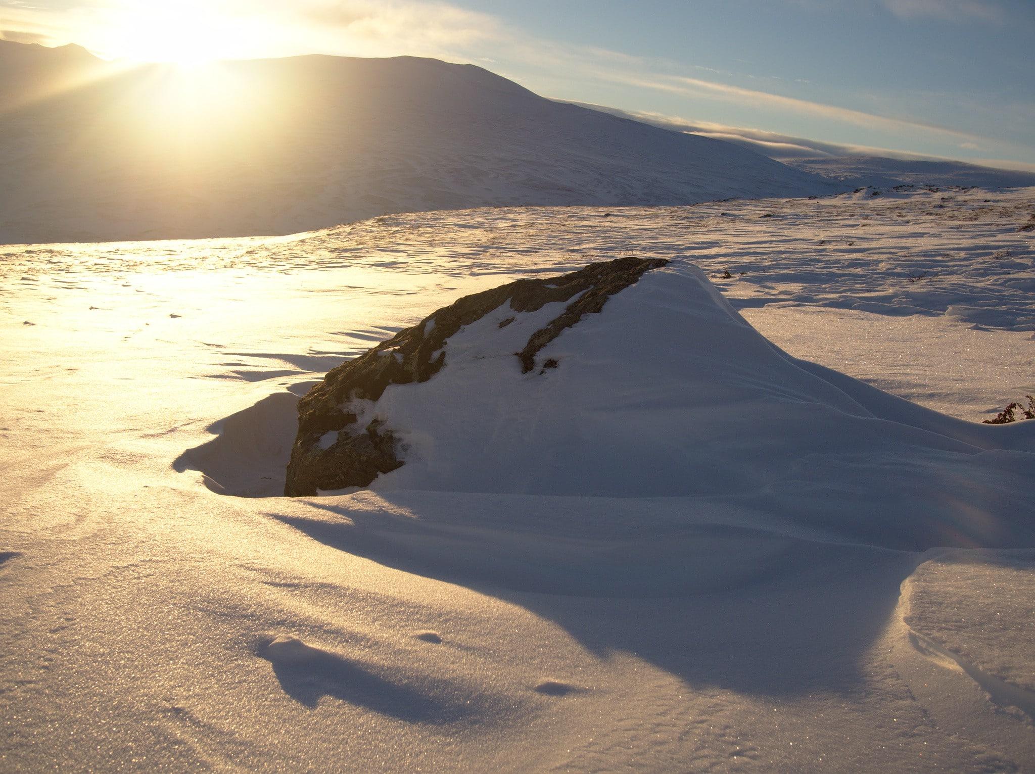 Siste del av første dag finner vi endelig litt snø også i høyden