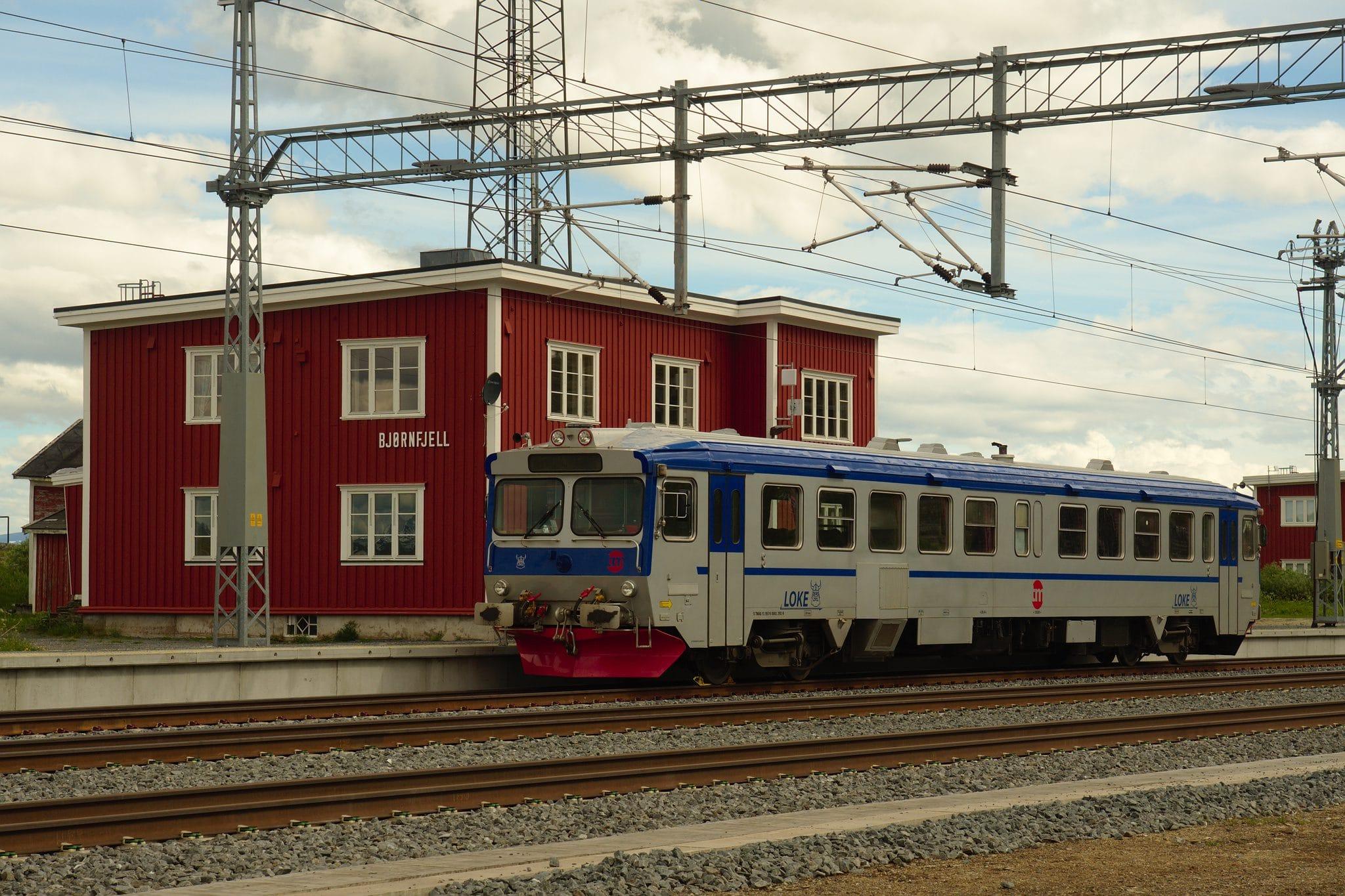 Stille på Bjørnfjell stasjon en dag med vedlikehold på linjene
