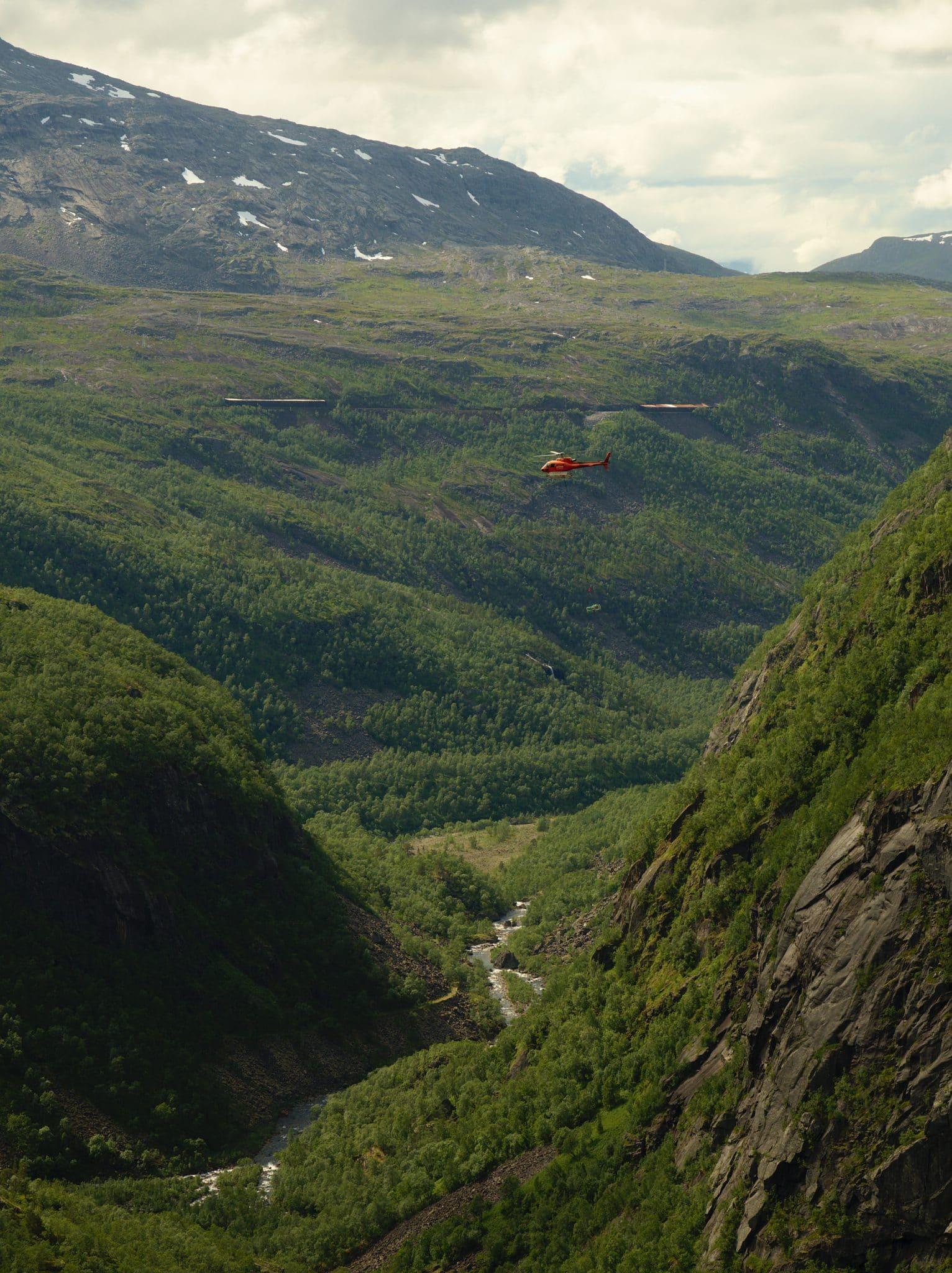 Helikoptertrafikk i Rombaksdalen